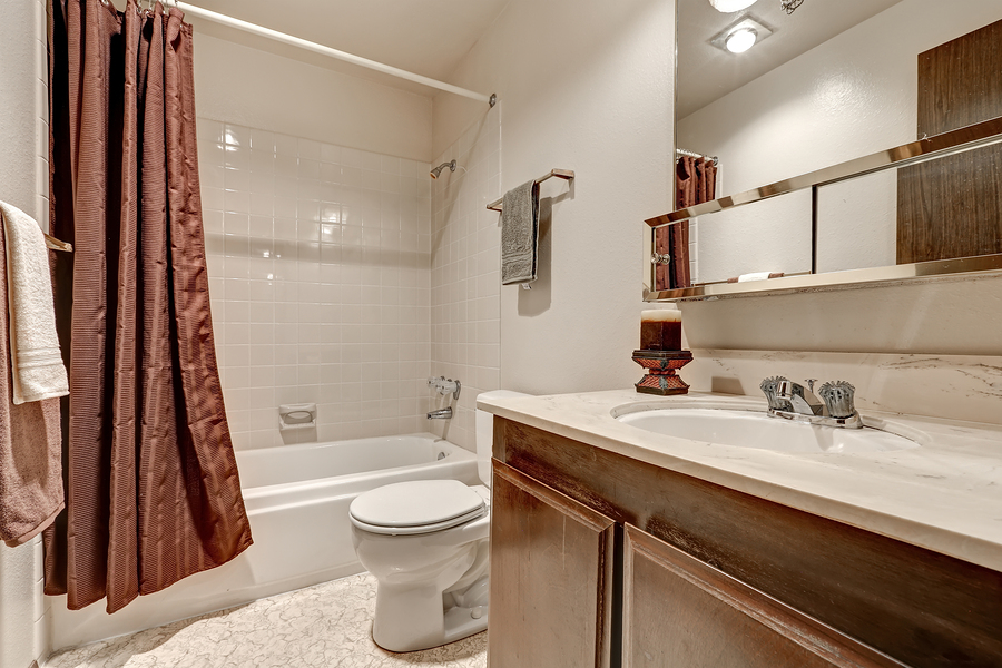 When Remodeling A Bathroom One Of The Most Important Questions Homeowners Face With Shower Tub Combination Is Whether To Use Curtain Or